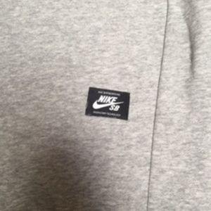 Nike Sweaters - 428, NWOT, Nike SB Fleece L-S Pullover Sweatshirt